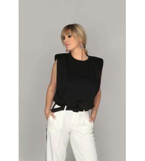 Tricou negru cu croi trapez şi perniţe la umeri