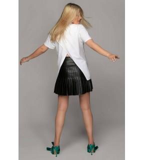 Tricou alb cu mâneci scurte şi spate decupat