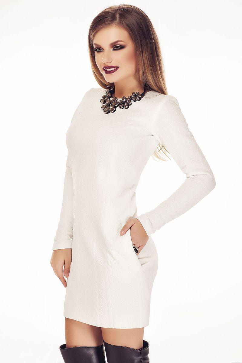rochie alba tricotata eleganta