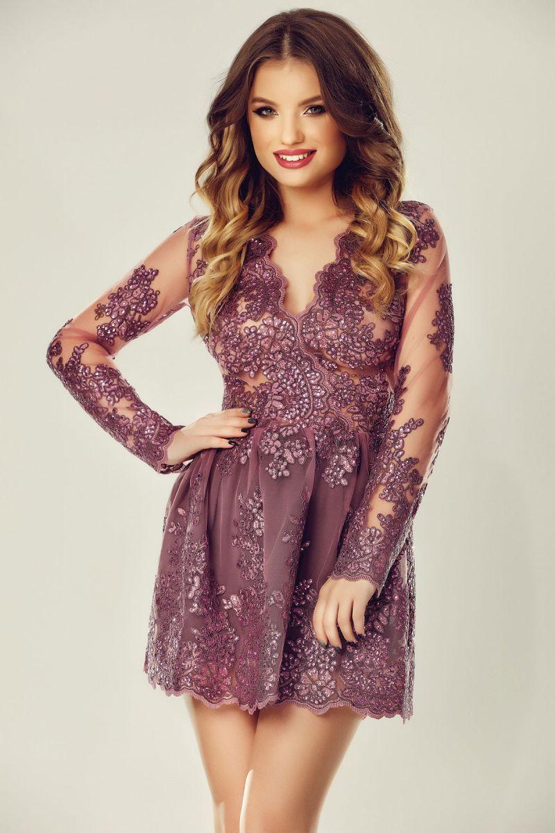 rochie scurta din dantela pretioasa
