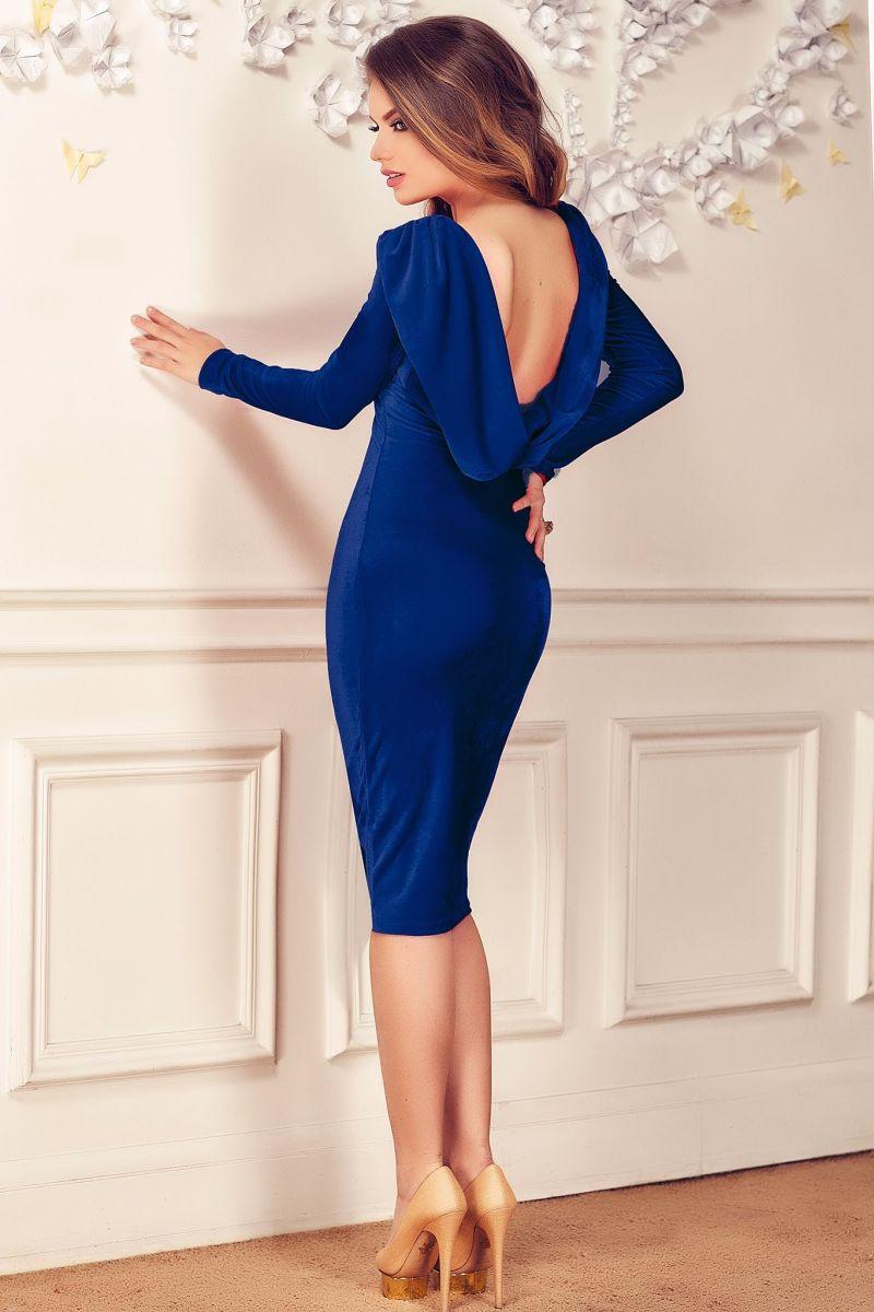 rochie cu spatele gol din catifea