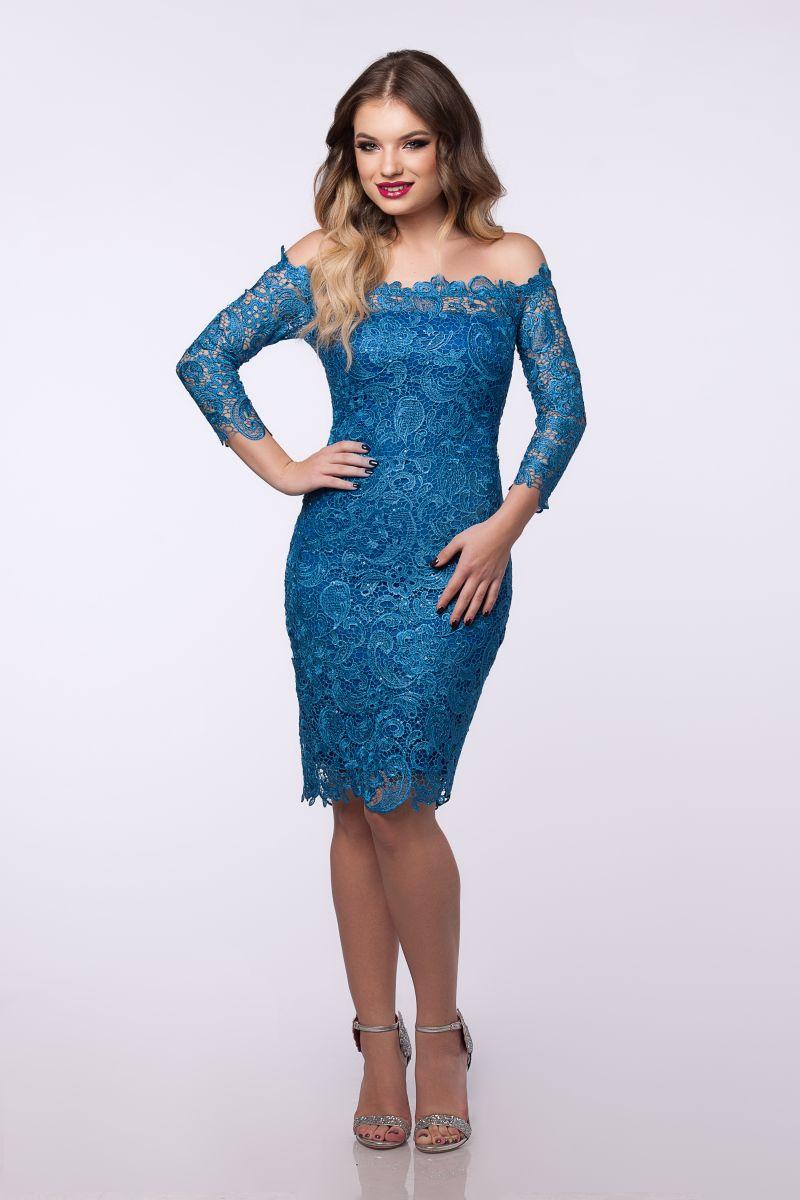 rochie romaneasca din dantela albastra