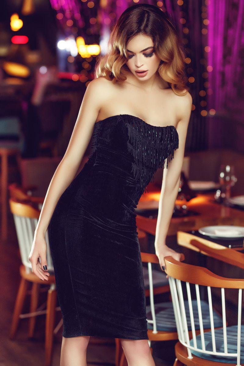 rochie neagra de petrecere