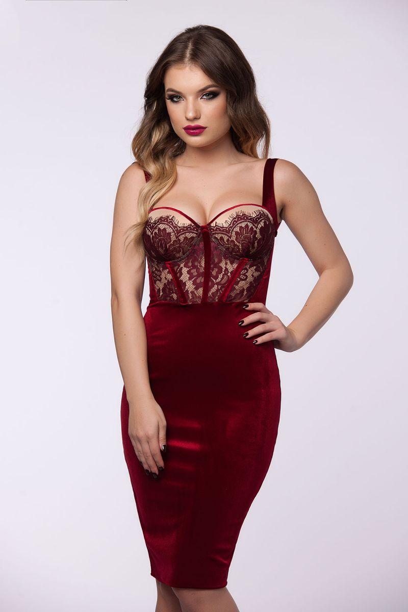 Rochiile cu corset - o alegere feminina si indrazneata