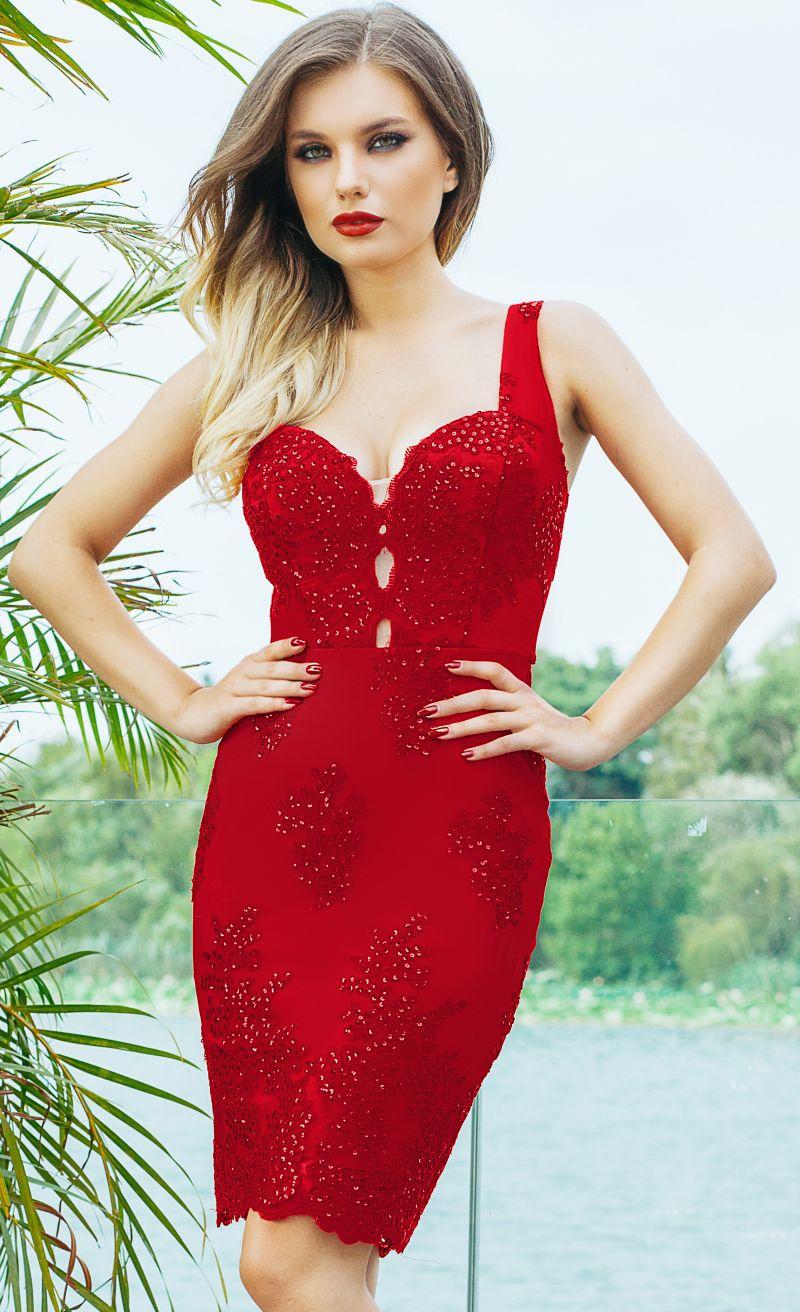 Etern fabuloasa rochie rosie eleganta