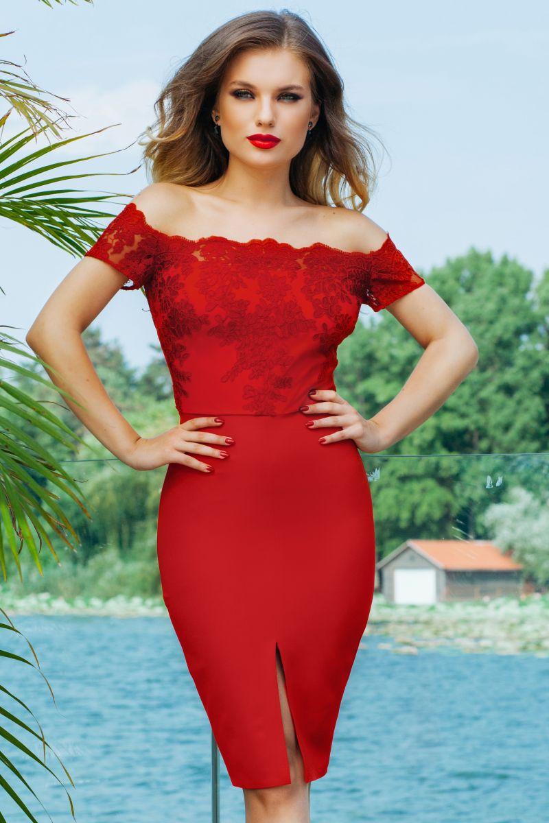 In cautarea esentei feminine: rochiile de seara rosii