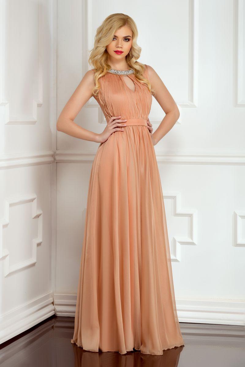 Rochie de bal lunga in culori neutre - pentru amintiri de neuitat