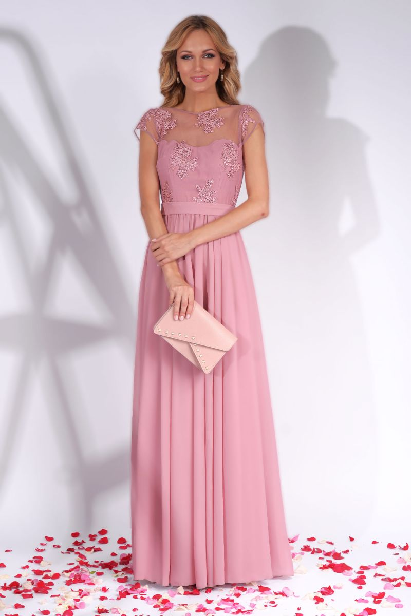 Poarta rochii de seara in culori pastel