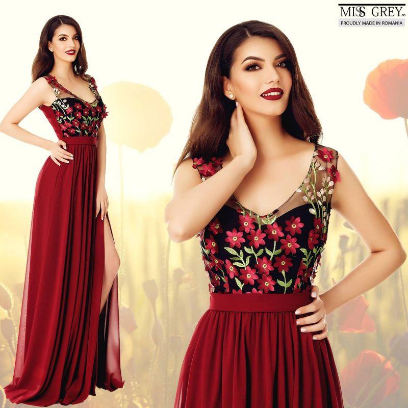 Celebreaza vara purtand modele vesele de rochii cu flori