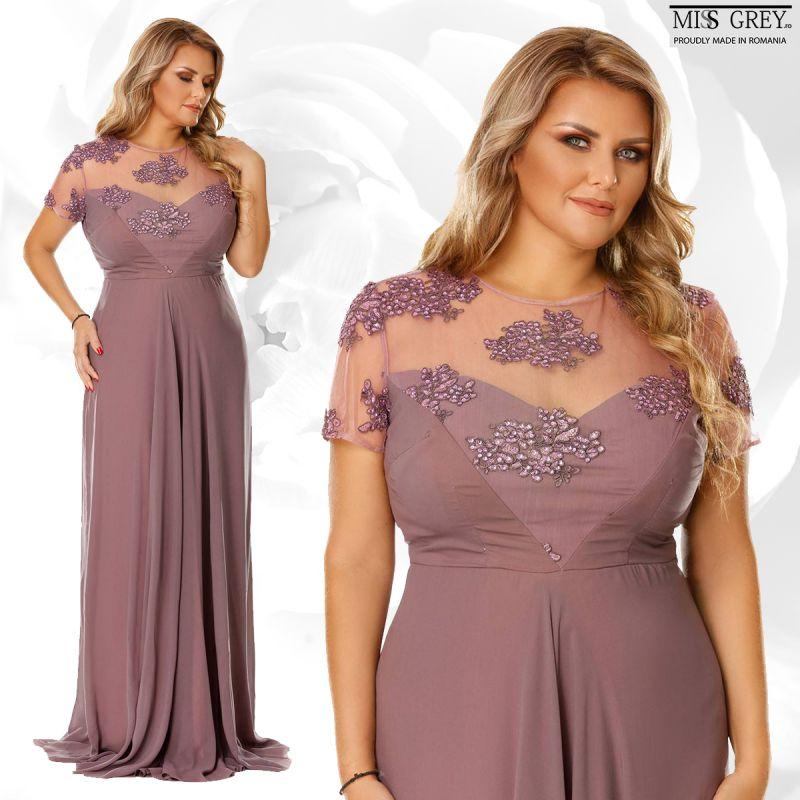 Cum accesorizezi o rochie eleganta mov pruna pentru siluete plinute?