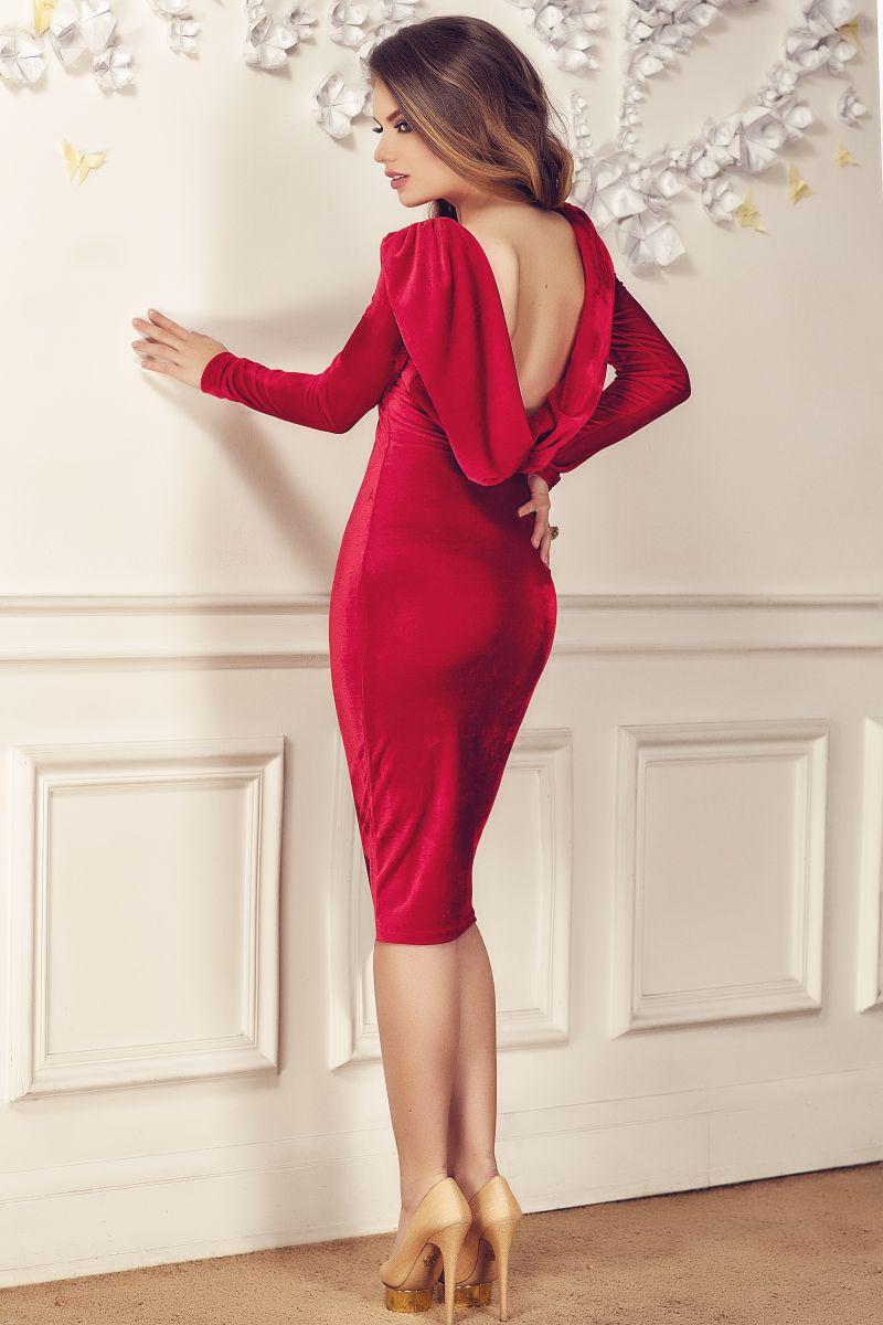 rochie-cu-spatele-gol-rosie-catifea