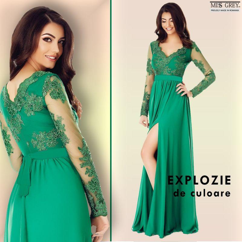 Poarta rochii verzi lungi, in tendintele primaverii