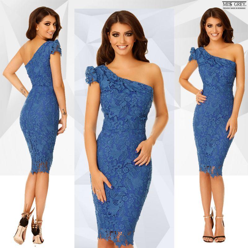 Cum sa te asiguri ca nu porti acelasi model de rochie de seara ca alte invitate?