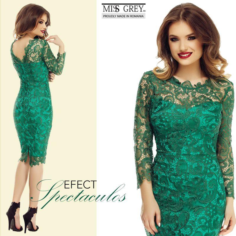 Ce sa nu porti niciodata cu o rochie verde smarald